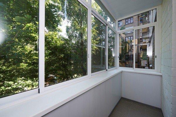 Остекление балкона алюминиевое