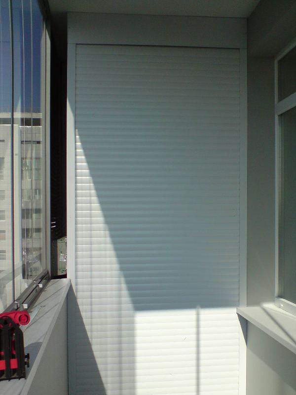 Рольставни в нишу на балкон