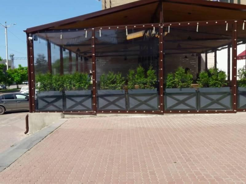 Мягкие окна для веранды ресторана