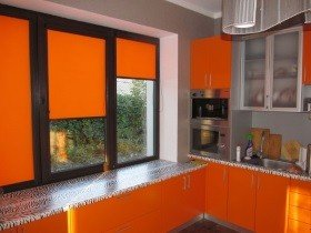Рольшторы на окно в кухню
