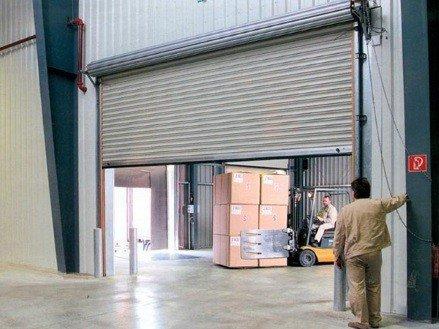 Складские роллетные ворота по доступным ценам