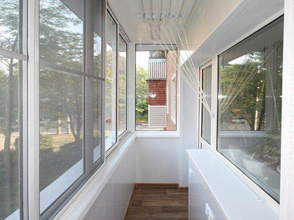 Балкон 3-метровый отделка и остекление