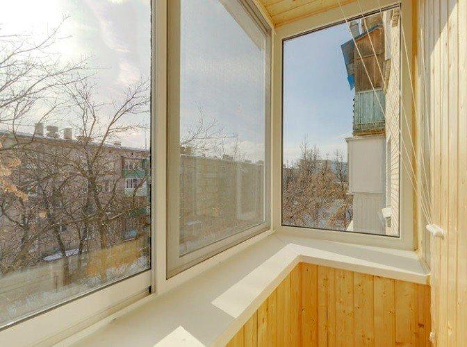 Остекление балкона в Москве сколько стоит