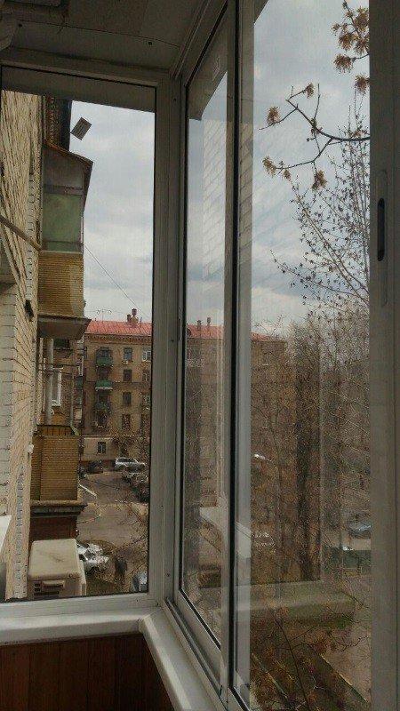 Остеклили балкон в хрущевке