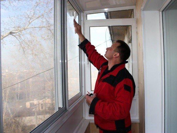 Остеклить балкон под ключ