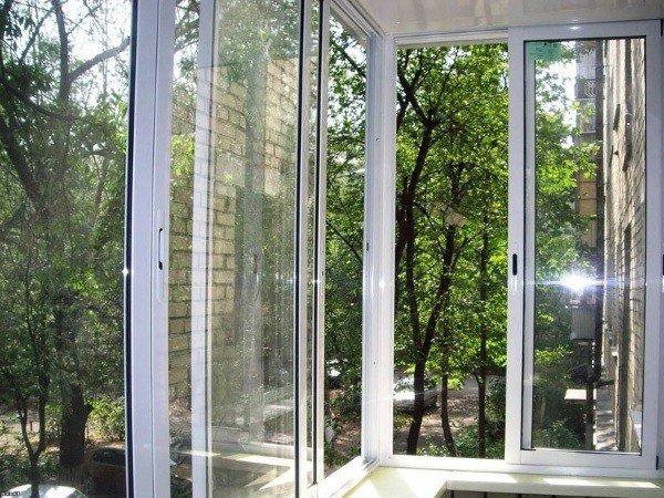 Алюминиевое застекление балкона в Москве
