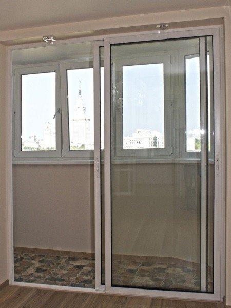 Алюминиевые раздвижные двери на лоджию