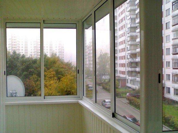 Холодное остекление балкона недорого