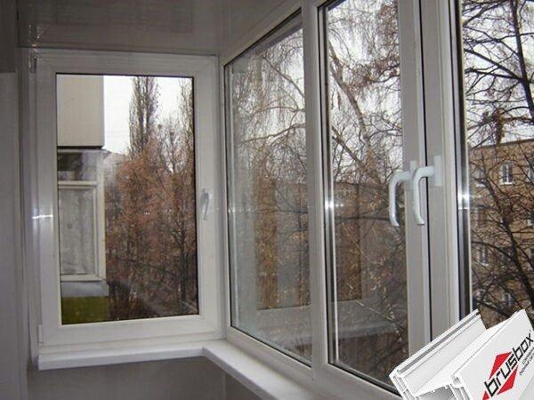 Остекление балкона под ключ окнами Брусбокс