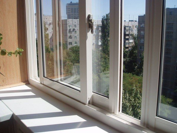 Раздвижные пластиковые окна на балкон Слайдорс