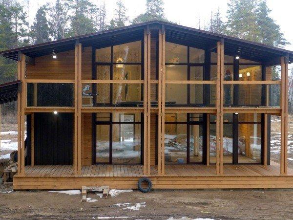 Алюминиевое остекление в деревянном доме