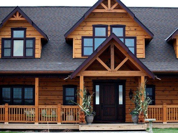 Деревянное остекление в деревянном доме