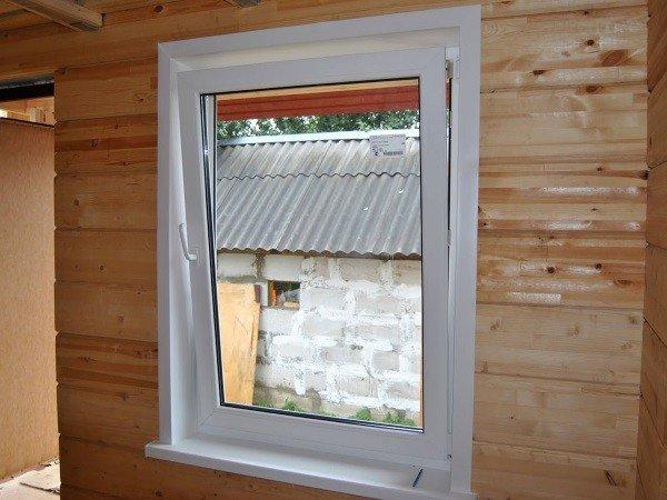 Недорогое пластиковое окно для дачи