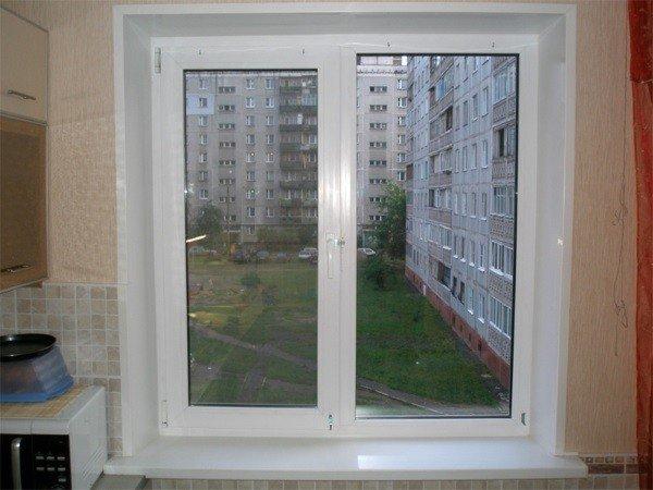 Окно на кухню бюджетное