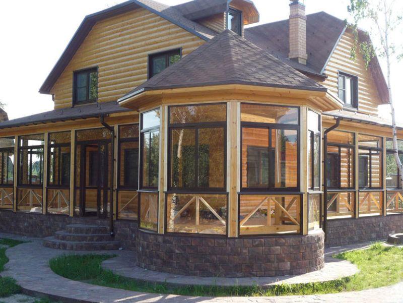 Остекление веранды и террасы деревянного дома