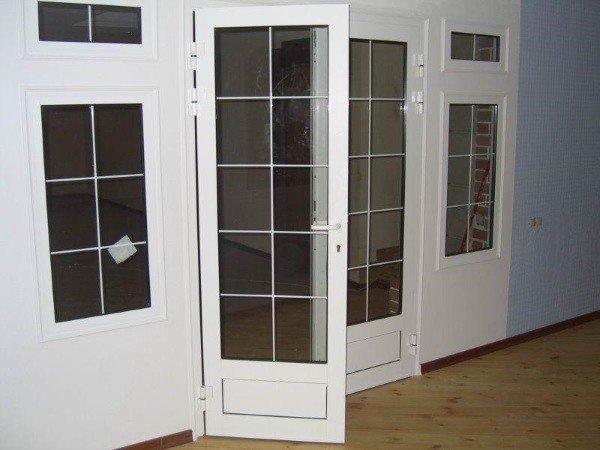 Пластиковая штульповая дверь