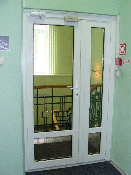 Штульповая дверь на лестницу