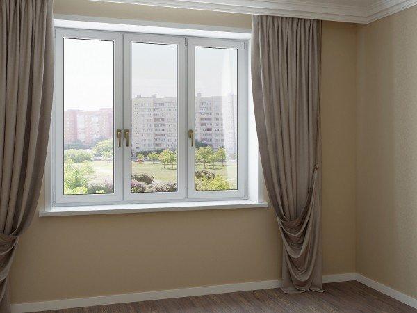 Купить окно для квартиры с цветной фурнитурой