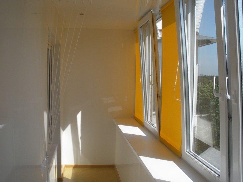 """Пластиковые окна на балкон """"Рехау"""""""