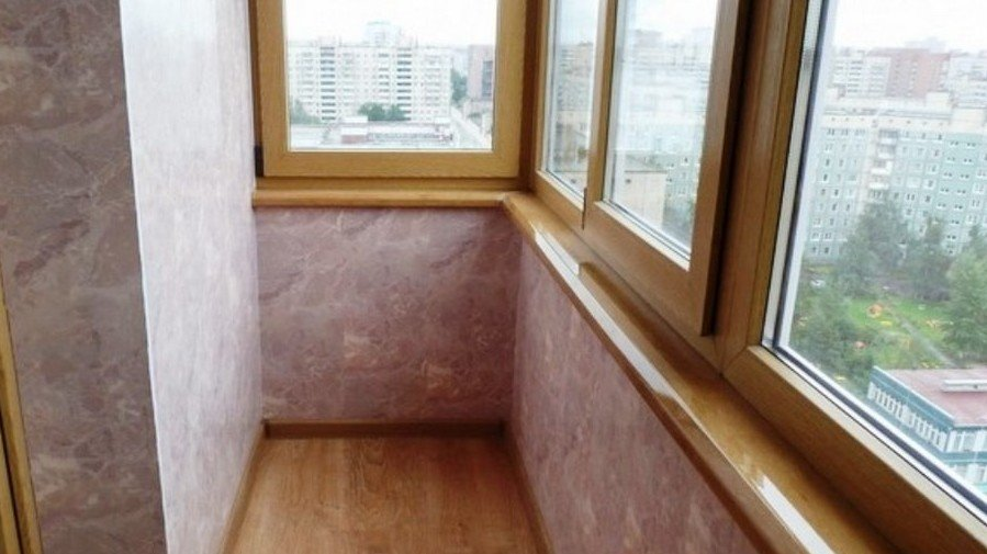 Установка ПВХ-панелей на балкон под ключ