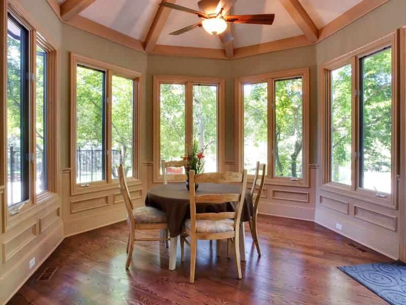 Деревянные стеклопакеты в частный дом