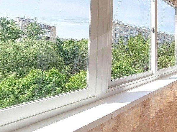 Полутеплое остекление балкона Слайдорс