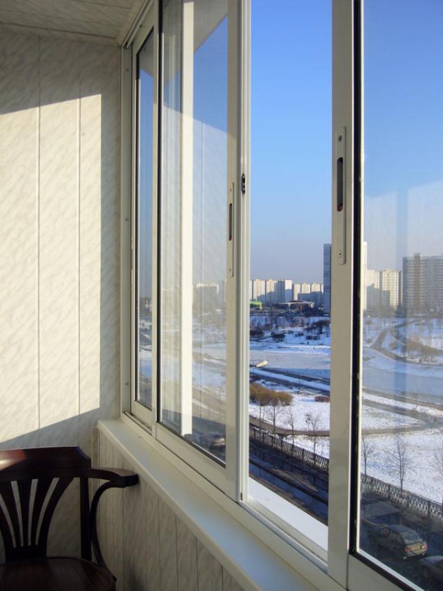 Ремонт и холодное остекление балкона