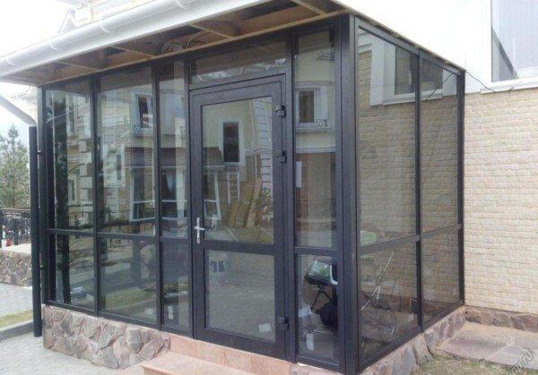 Алюминиевая дверь в загродный дом