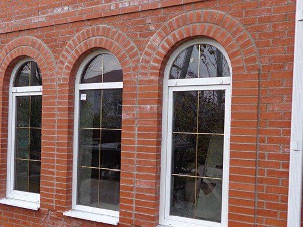 арочные окна из пвх