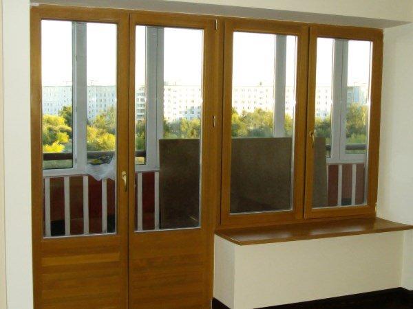 балконная дверь деревянная