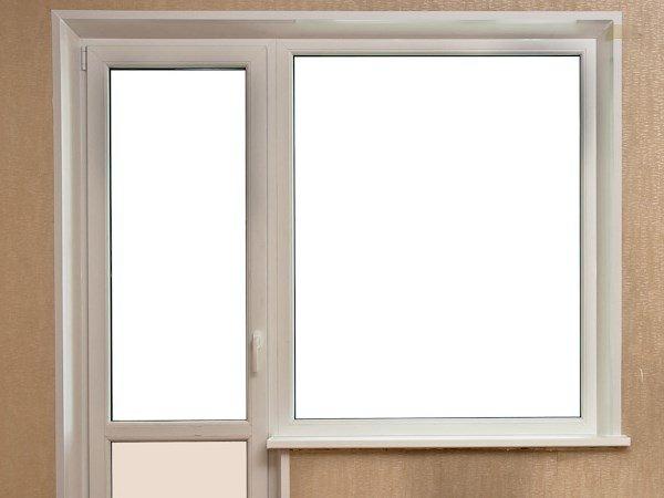 окно слева в балконном блоке