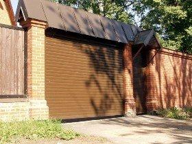 Рулонные ворота для забора на даче