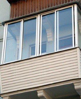 Выносное остекления балкона холодным алюминиевым профилем
