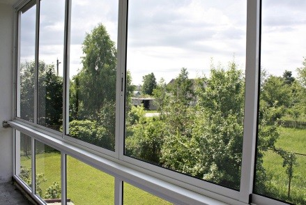 Холодное остекление балкона алюминием