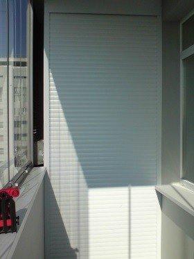 Стеллаж на балкон рольставни
