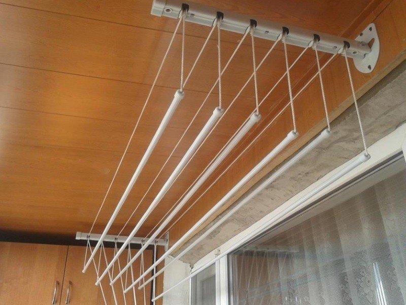 Сушилка бельевая балконная Лиана