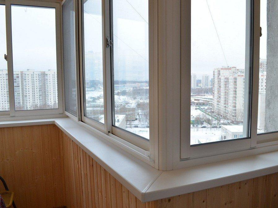 Полутеплое раздвижное остекление балкона