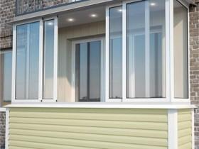 Наружная отделка балкона зеленый сайдинг