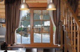 Окна с раскладкой в частный дом