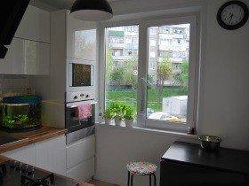 Окно на кухню хрущевки