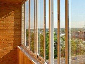 Остекление балконов алюминиевыми окнами классическое