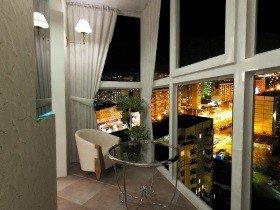 Панорамное остекление балкона - красивый вид