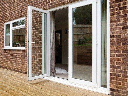 Входные двери ПВХ со стеклом