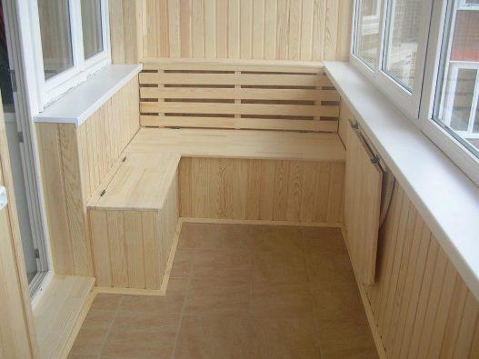 Отделка балконов и лоджий деревянной вагонкой