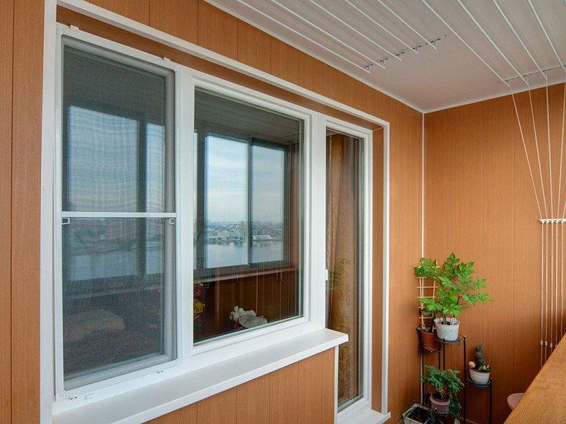 Пластиковая отделка балкона