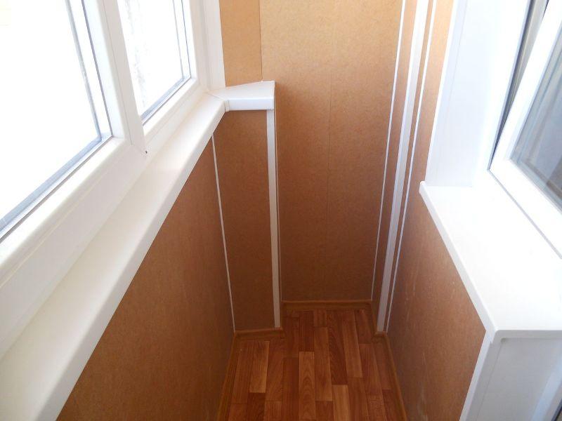 Обшивка балкона ПВХ панелями
