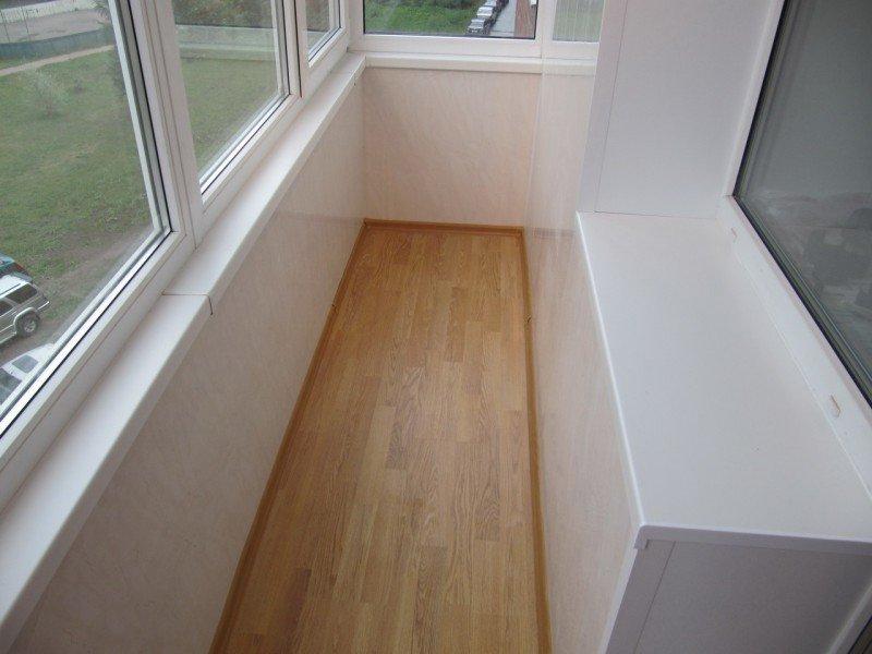 Отделка балконного пола