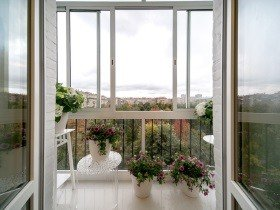 Французский балкон пластиковый