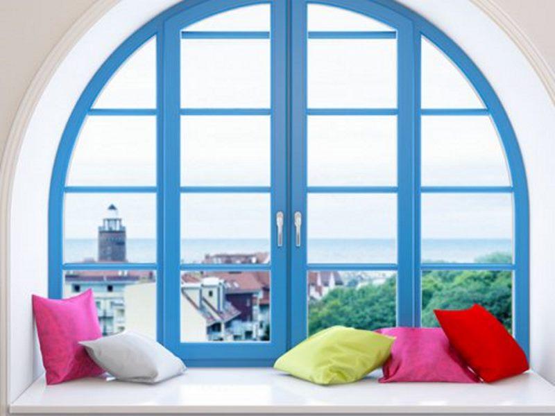 Цветные нестандартные окна