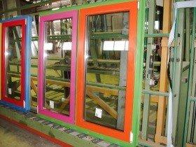 Недорогие пластиковые окна окрашенные по RAL